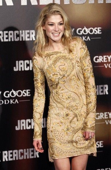 Rosamund Pike Photos Photos Jack Reacher Premiere In Madrid Rosamund Pike Rosemund Pike Premiere