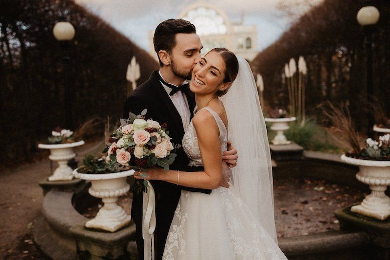 Hochzeitsbilder Paarshooting Draussen Flora Koln Hochzeit Bilder Trauung Hochzeitsvideos