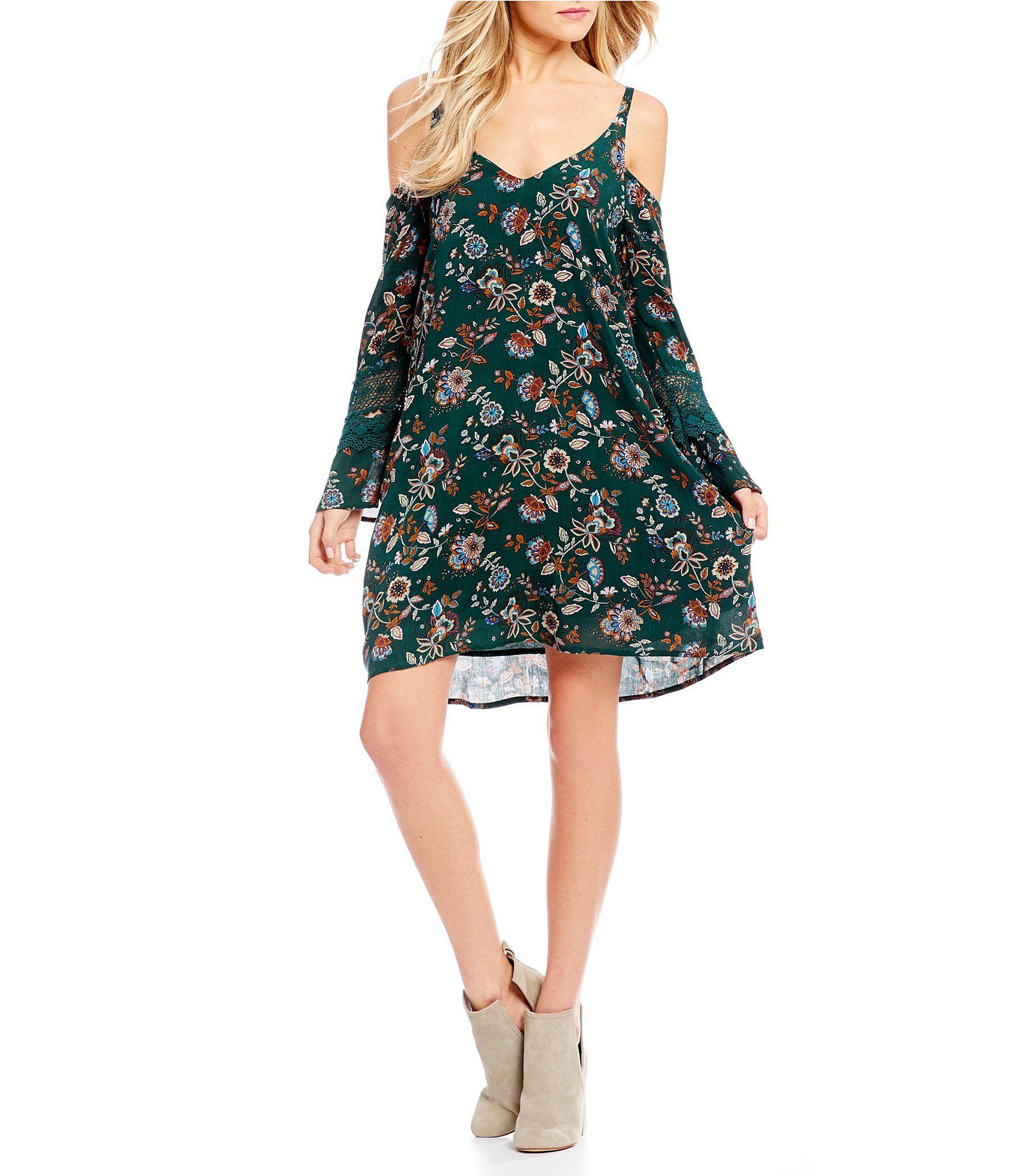 Cuv chelsea u violet printed cold shoulder crochet dress cold