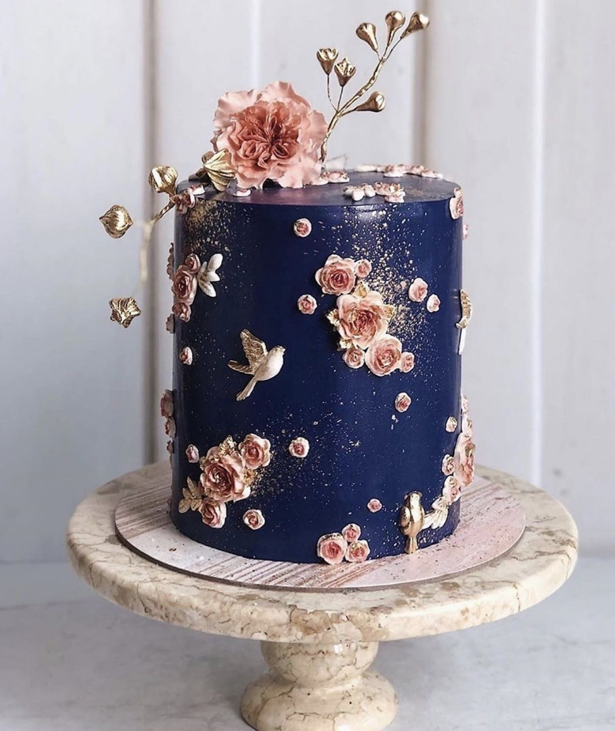 Pin by Asmâa I. Methqal on Cakes (With images) Wedding