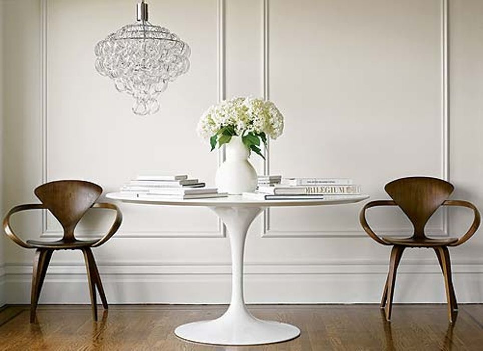 Beautiful Cherner Chairs + Eero Saarinen Tulppaani (tulip) Table