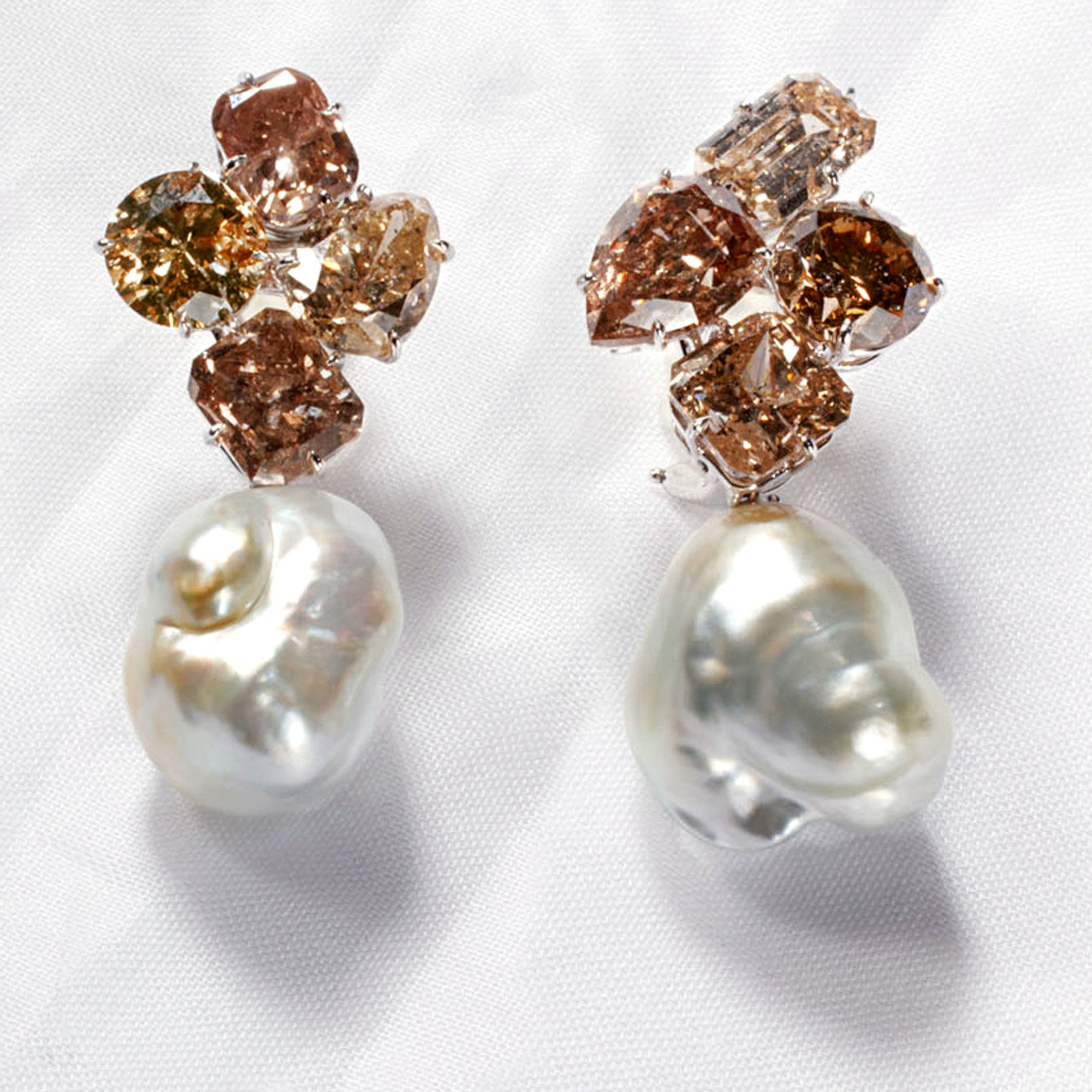 stud diamond earrings of elegant beautiful champagne