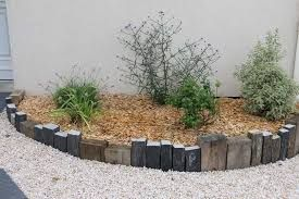 Resultat De Recherche D Images Pour Piquet En Ardoise Bois Jardin Bordure Ardoise Bordure Jardin Amenagement Jardin