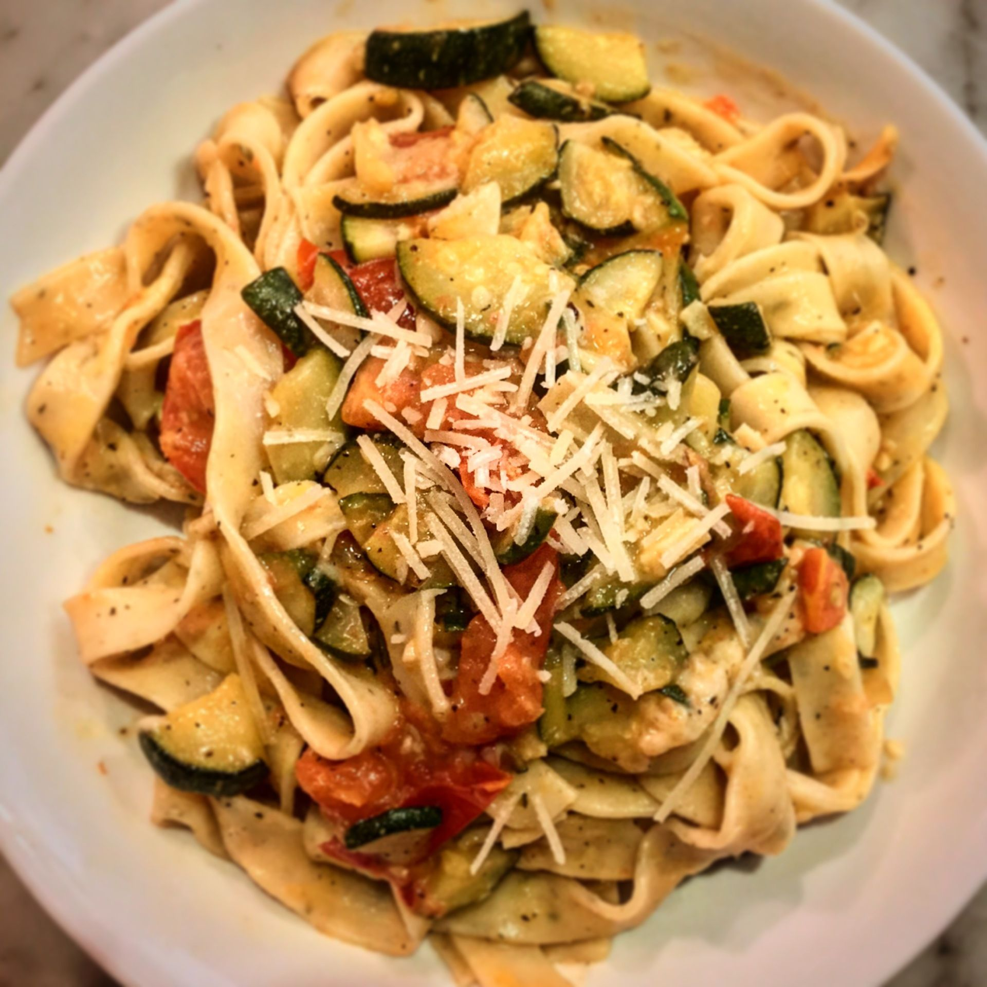 Blue apron yellow tomato pasta - Fresh Basil Fettuccine With Saut Ed Cherry Tomatoes Zucchini