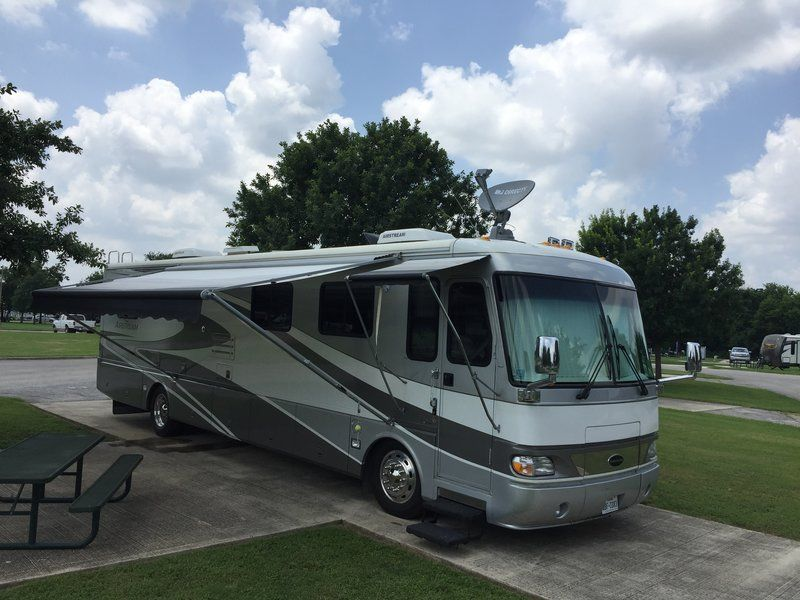 2000 Airstream Land Yacht 390 XL for sale by Owner San