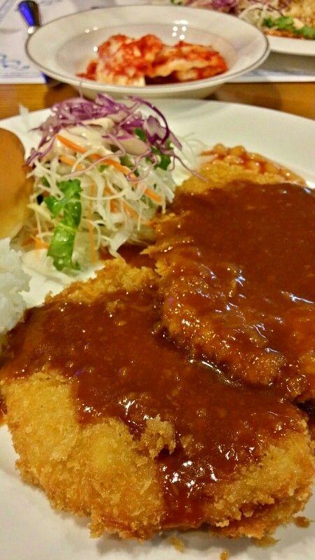 돈까스, Pork Cutlet Widely be loved Korean style of pork cutlet, Donggassu!!! My lunch selection was this pork cutlet. It's crispy chewing makes me so happy =D In Korea, soft soup comes first, then this cutlet followed. Surely, we use Worcester(shire) sauce over it. Now, grab your knife and fork and then cut it. You can enjoy its crispy taste as much as you can. Let's go !!!  #pork #cutlet #donggassu
