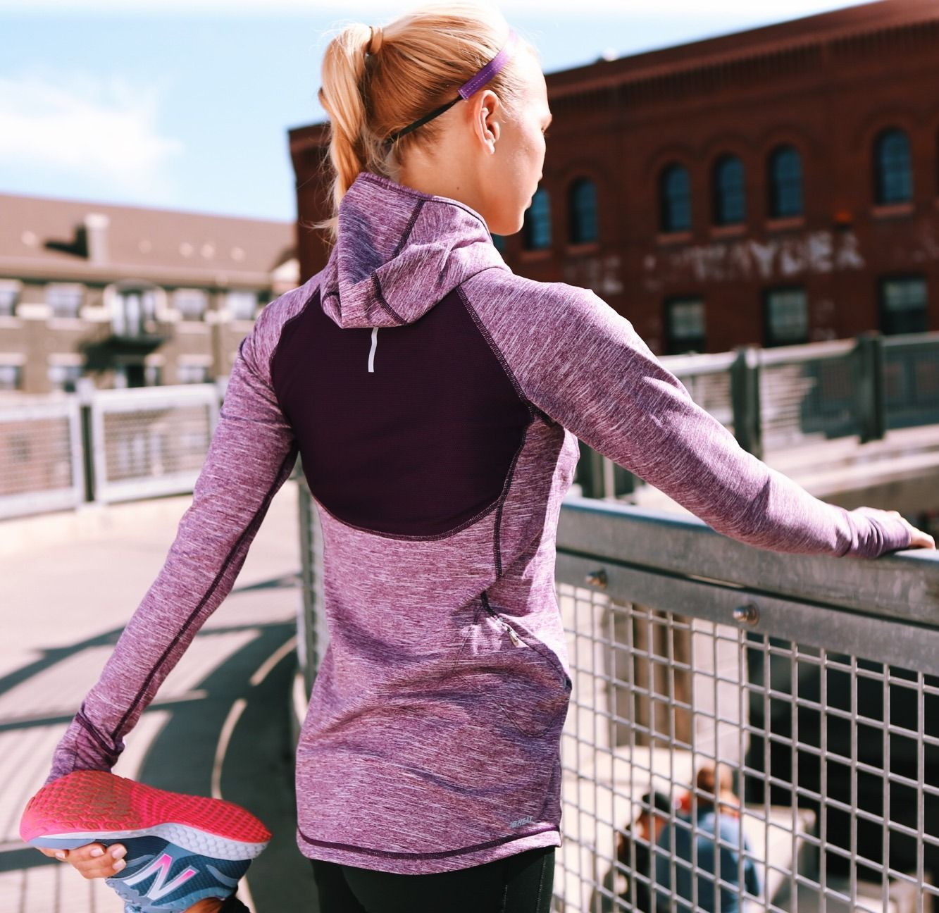 Lima grua Premedicación  NB Heat Hoodie, Impact Tight, Fresh Foam Zante] Outsmart the cold and enjoy  your run with these essentials.   Heated hoodie, Hoodies, New balance