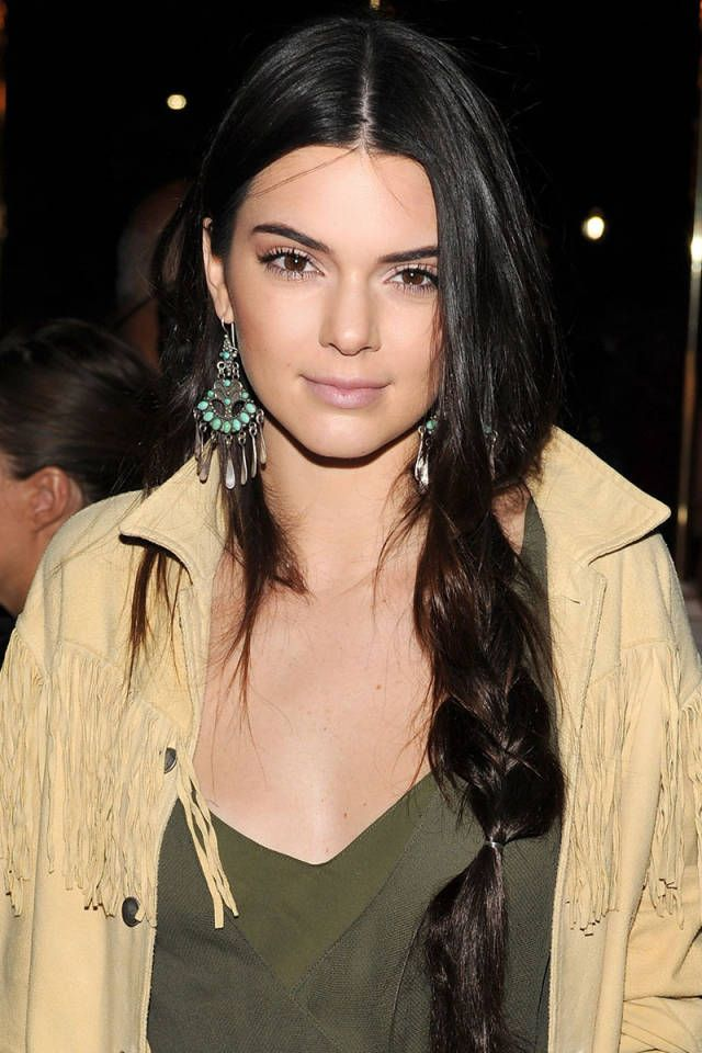 10 Chic Ways To Wear A Middle Part Beauty Hair Pinterest