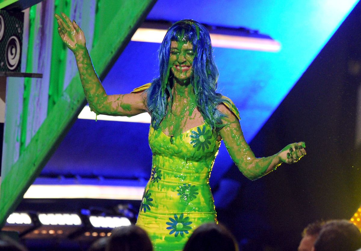 Celebs getting slimed at the kids choice awards katy perry celebs getting slimed at the kids choice awards katy perry ccuart Gallery