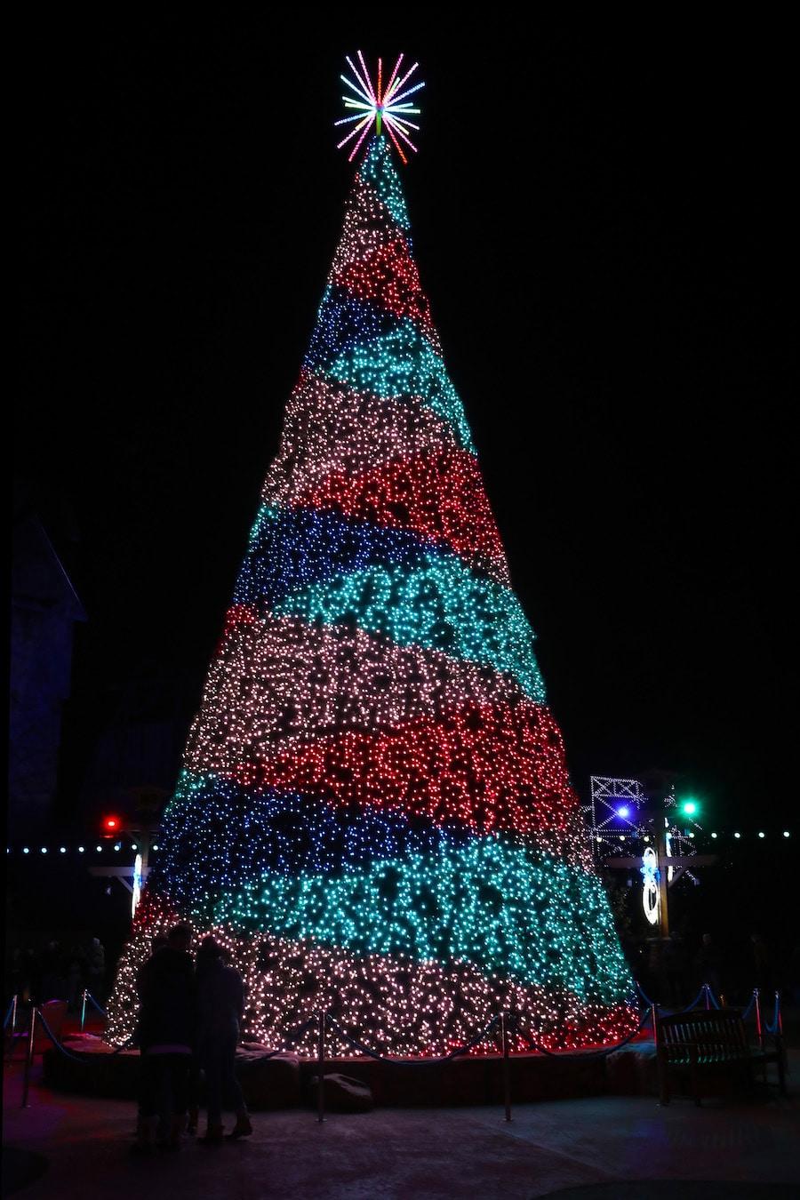 Dollywood's Smoky Mountain Christmas 2019 Holiday Season