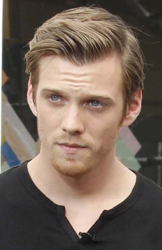 Hot Guy(s) of the Weekend: The Host Jake Abel & Max Irons - That's ...