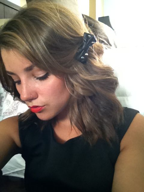 Cute way to put a bow in your hair