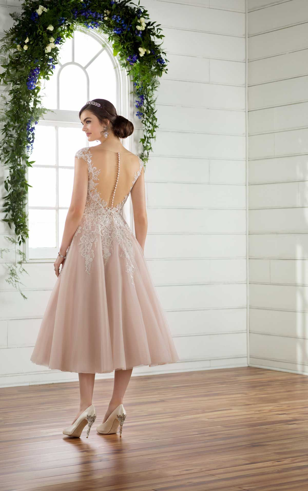 Short And Sweet Wedding Dress Short Wedding Dress Short Lace Wedding Dress Sweet Wedding Dresses [ 1914 x 1200 Pixel ]