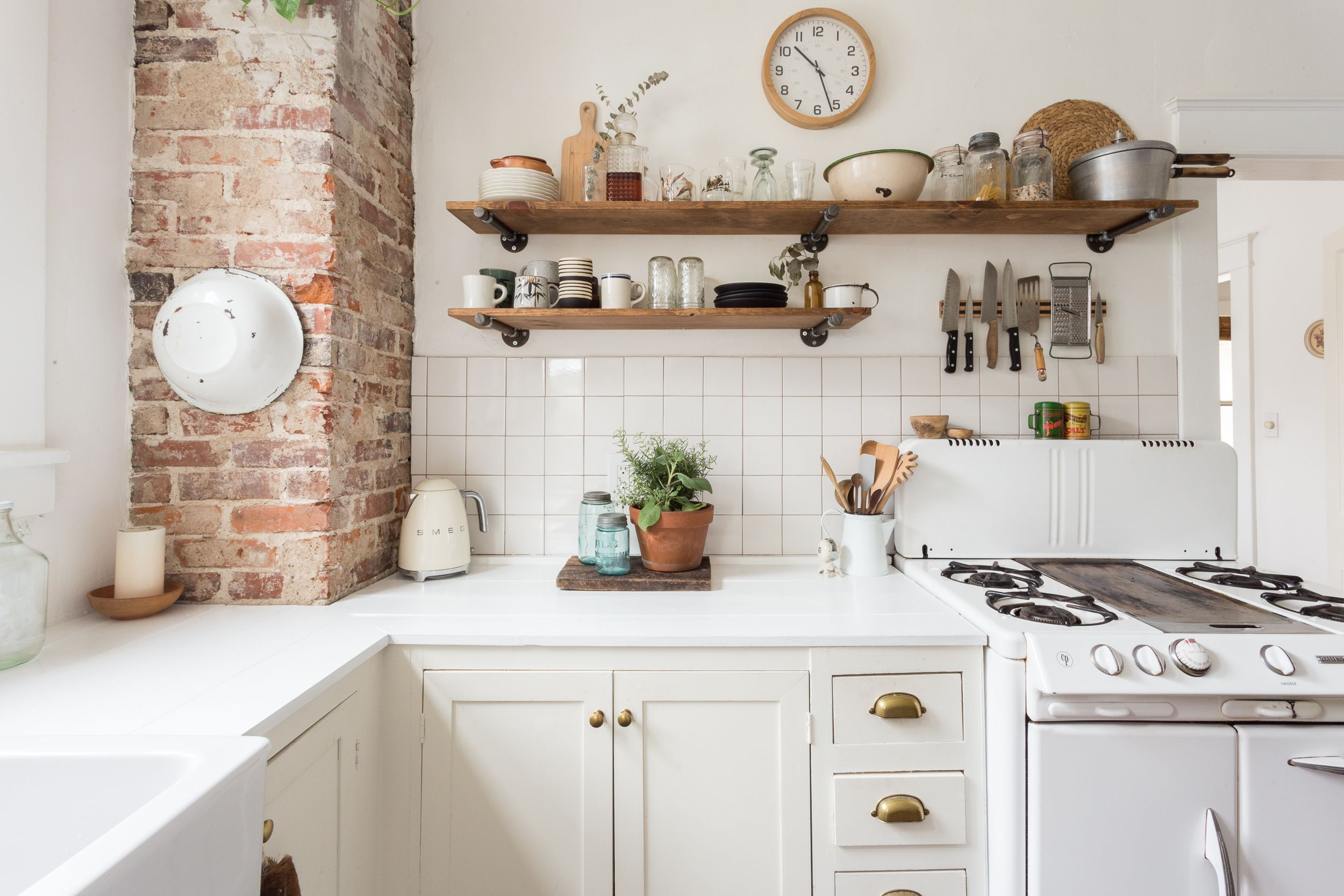 Here's How to Find Cheap Kitchen Cabinets That Won't Compromise Your Style