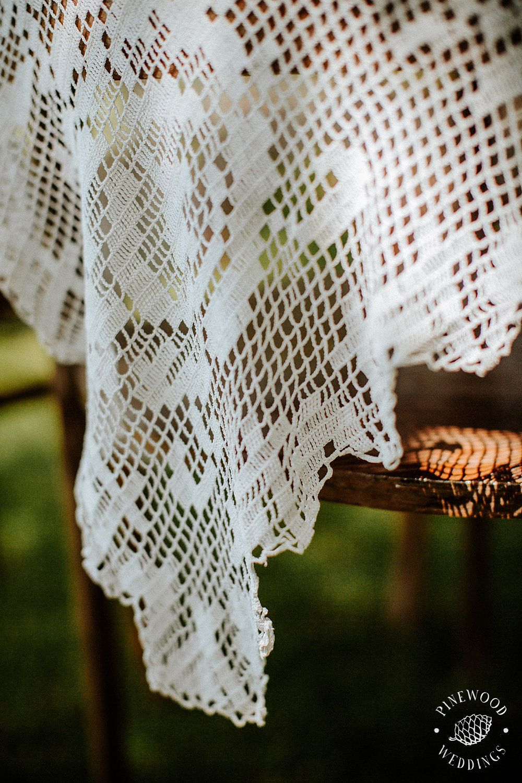 Betti&Toon's lace wedding ceremony decoration