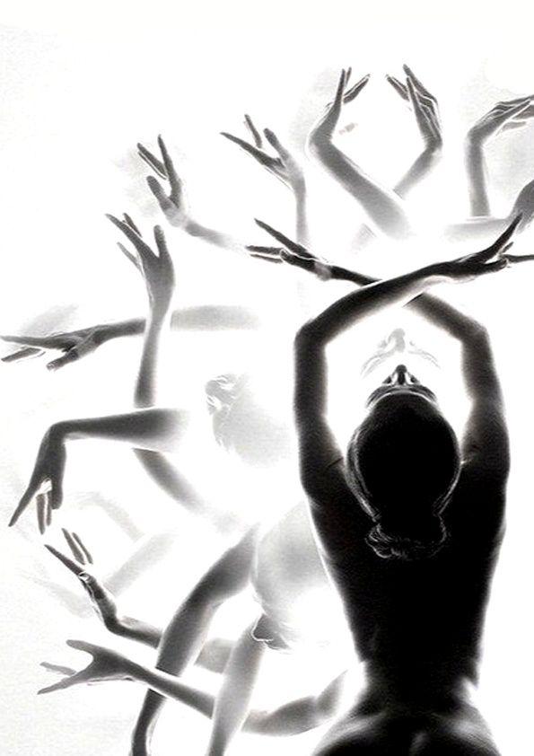 Les mains, le toucher, le contact, la sensualité...  Marseille Danse Academy