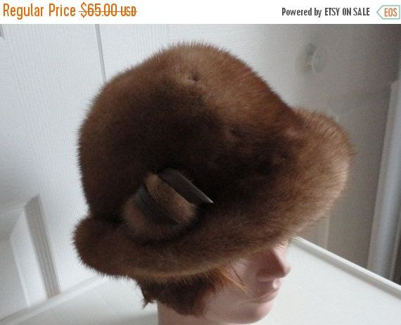 Sale 60s Light brown mink fur women cloche hat by LoukiesWorld