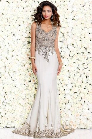Ivory Breathtaking Sleeveless Gown With Gold Appliques 4094