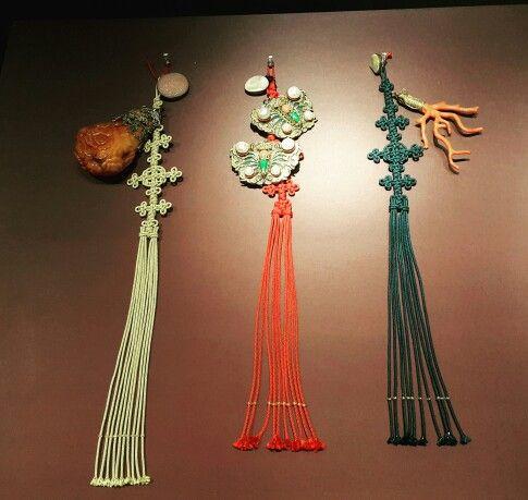 노리개(국립고궁박물관)전통매듭 노리개 Korean traditional knots ornament  #Korea #KoreanTraditionalKnots #전통매듭 #전통매듭노리개 #국화매듭 #매듭 #석씨매듭 #가지방석매듭 #쌈지사랑 #쌈지사랑규방공예연구소 #koreanknots #국립고궁박물관
