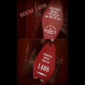 Stephen king 39 s 1408 dolphin hotel key tag cool horror for Stephen king habitacion 1408