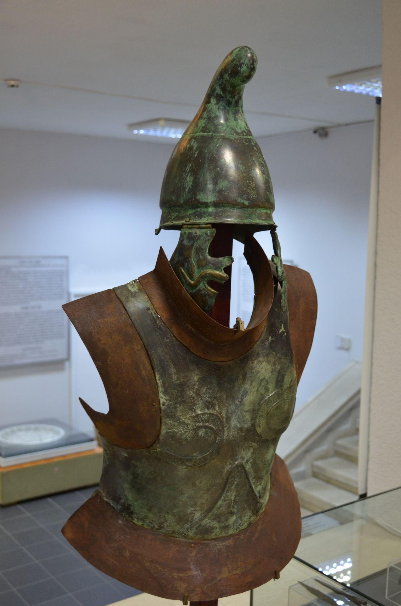Thracian Hoplite Armor Helmet