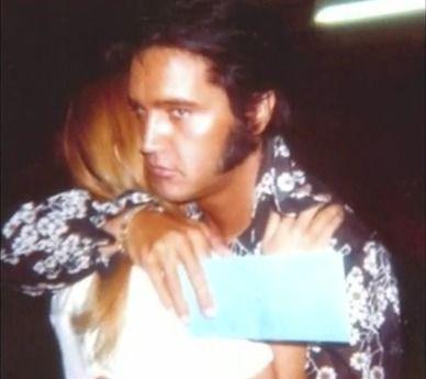 Elvis and Sandi Miller 1970 | Elvis presley, Elvis presley photos ...