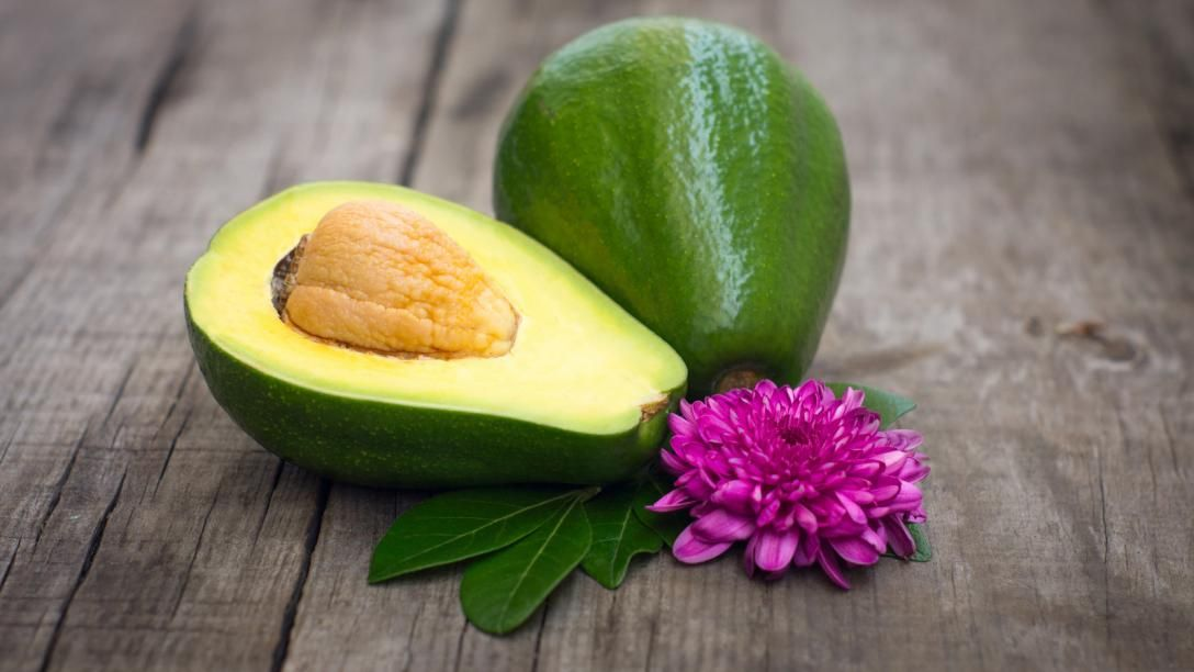 This simple avocado, banana and olive oil face mask is outstanding for your #skin. http://www.freebiefindingmom.com/avocado-face-mask-homemade-recipe/