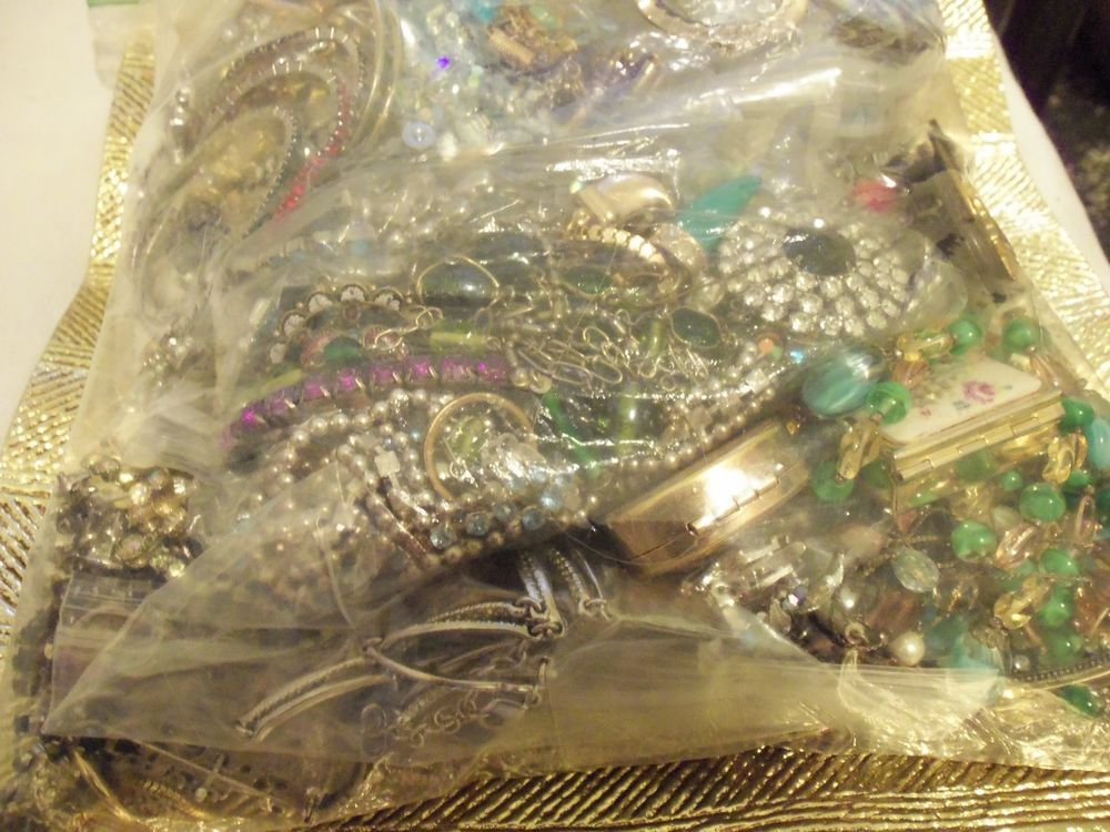 designer costume jewelry deluxe wholesale grab bag 83 lbs lot