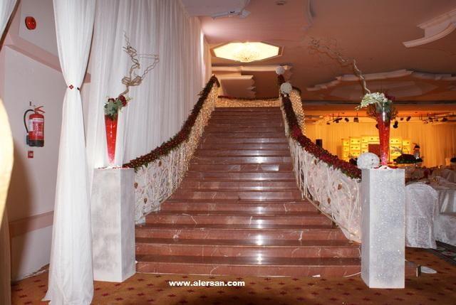 Wedding Inspiration On Instagram من افراح التركستاني وال عبدالواحد وال عبدالجواد قاعة ليلتي جده ديكور M Wedding Hall Wedding Decorations Wedding Venues