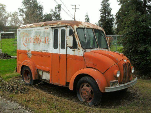 6 Door Truck For Sale Craigslist >> Old milk truck in front yard. Porterville, Tulare County, Ca. DSMc.2010   Milk Trucks   Trucks ...