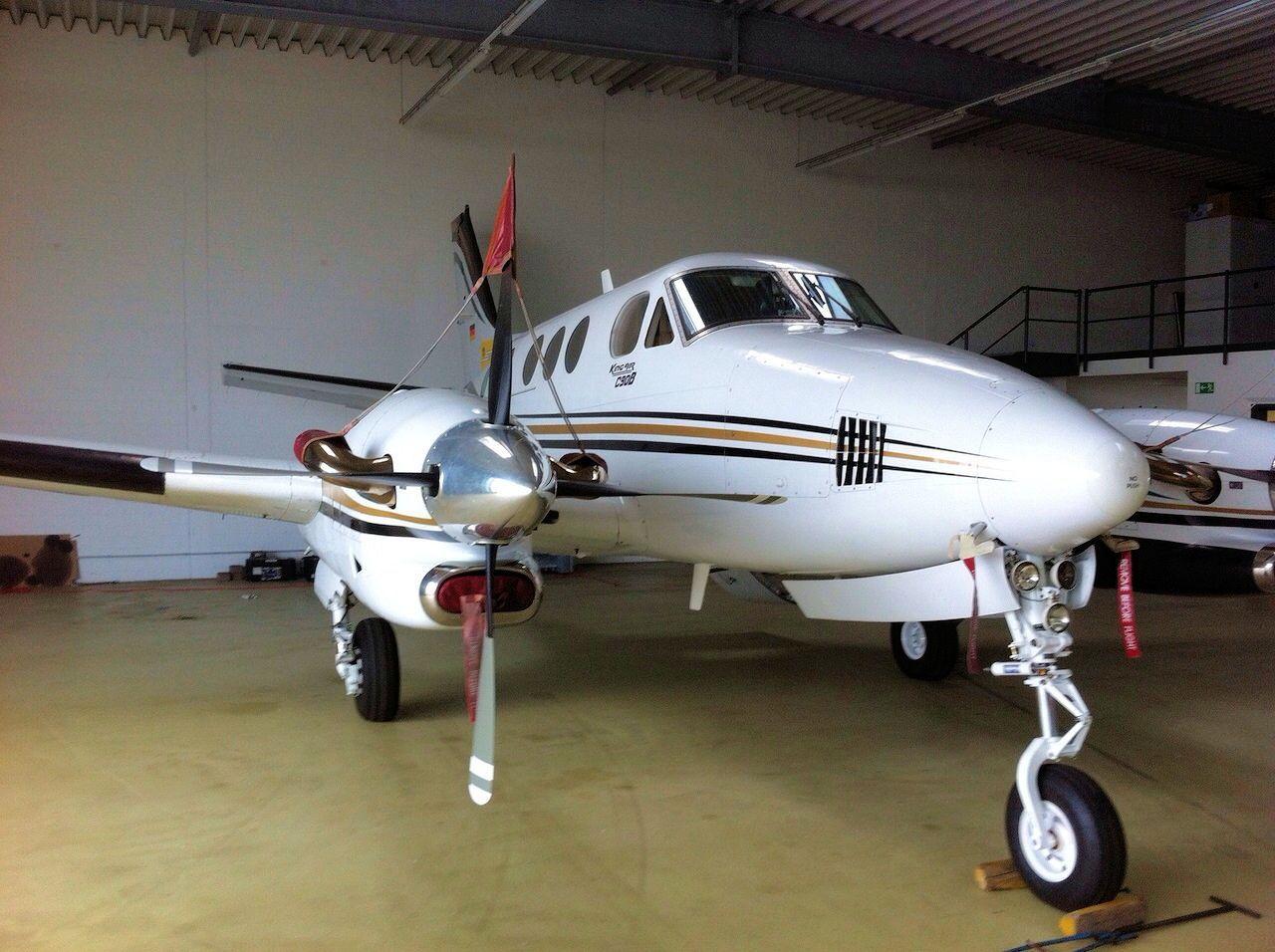 1999 Beechcraft King Air C90B => http//www.airplanemart