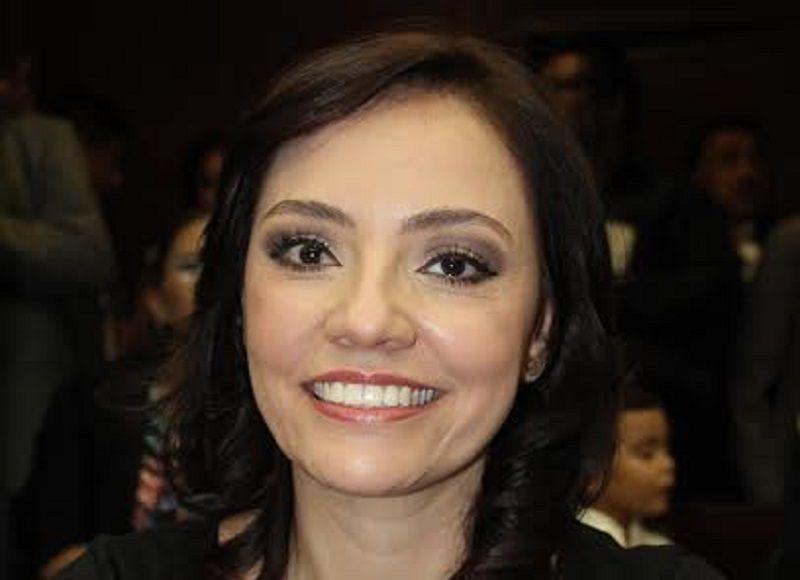 La iniciativa propuesta por la diputada Adriana Hernández destaca que en el marco de la reforma al sistema de justicia penal y con la finalidad de generar una normatividad incluyente ...