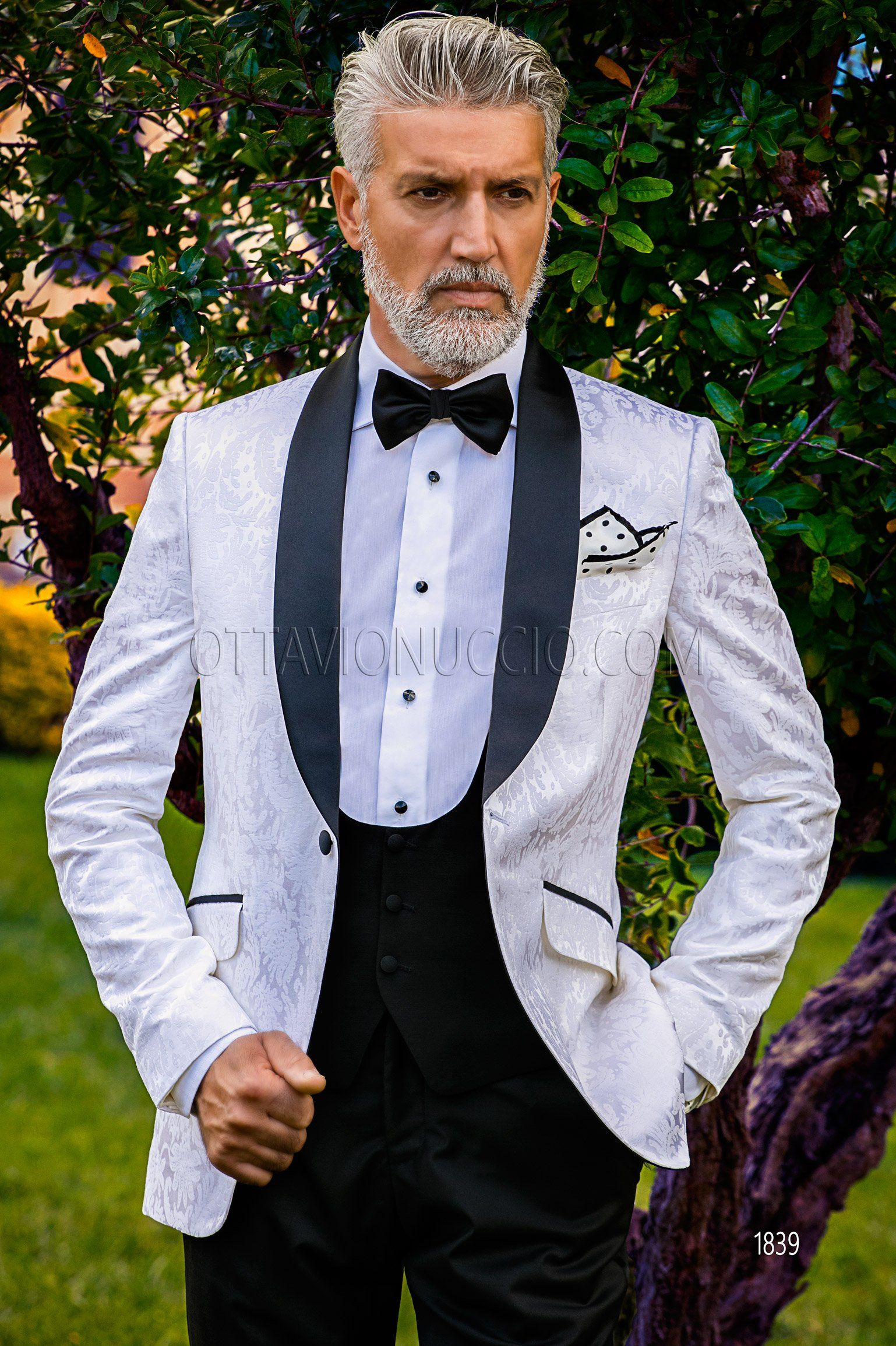 Black and white shawl blacktie tuxedo #wedding #groom #suit #luxury ...