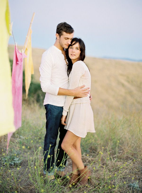 If you think that youre couple is unique then you should prefer some romantic couple photography ideas to click some pictures of your astounding couple