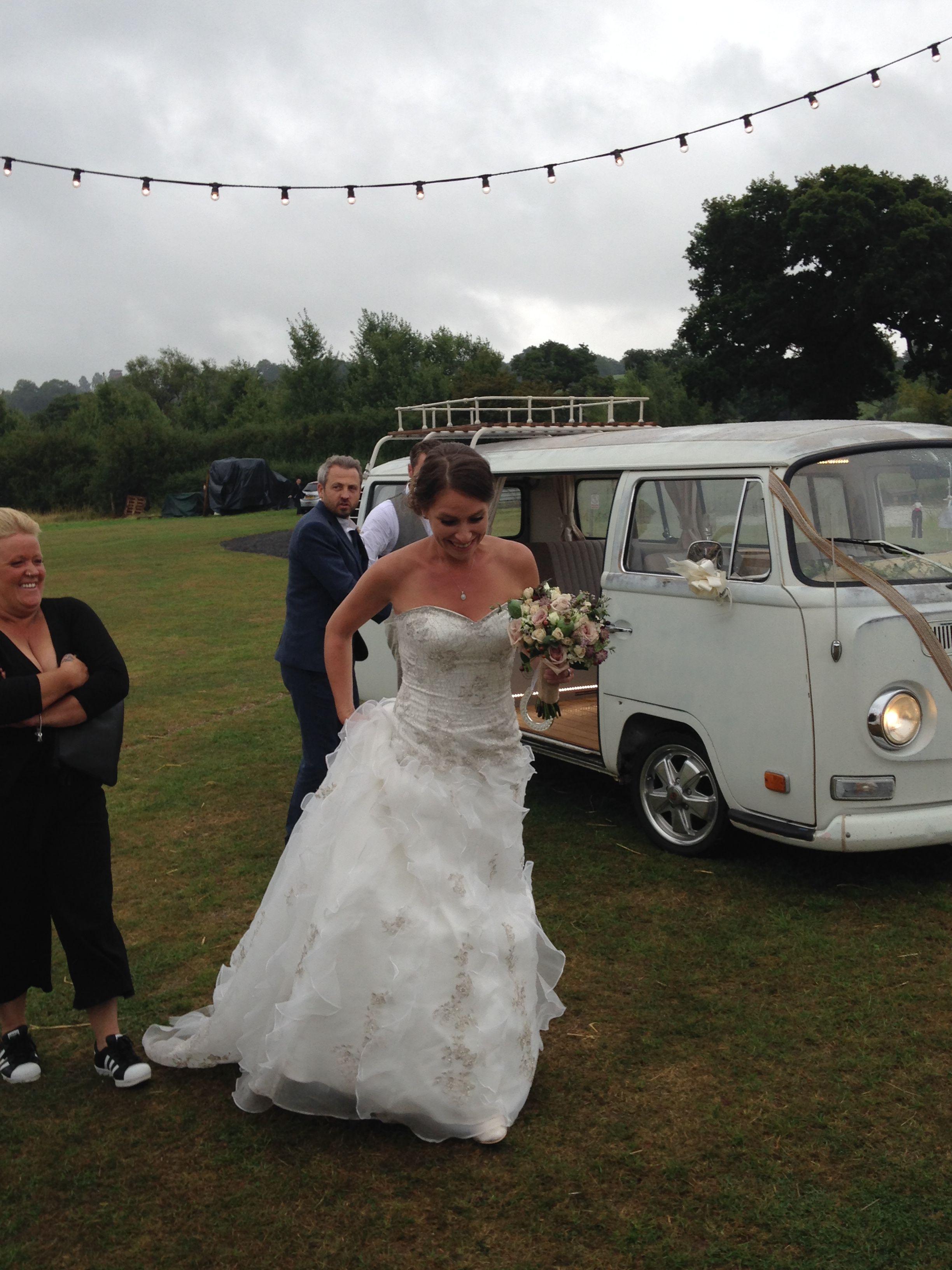 Beautiful bride Kelly @alcott weddings