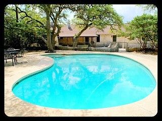 Enchanting 10 Bedroom Home Located On 200 Acres With Pool Sleeps 22 Hays County Pool Vacation Rental Vacation Books
