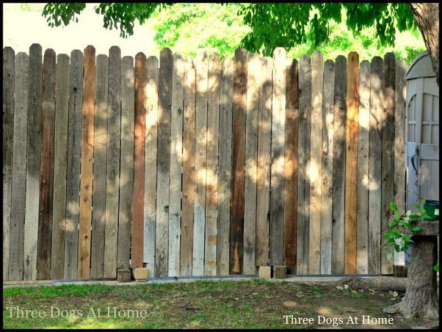 Diy Portable Sectional Stand Alone Fence Made Of Old Fencing And Pallets