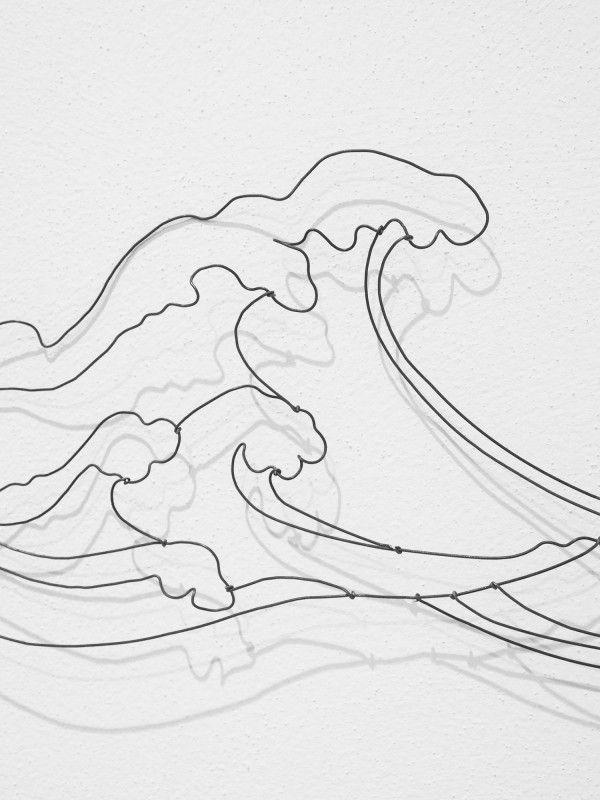 Scultura onde, realizzata a mano in filo di ferro intrecciato ...