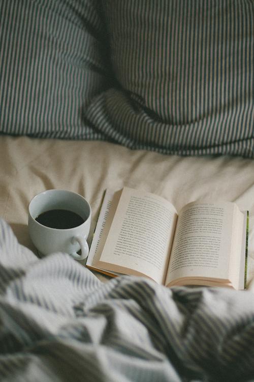 Lesen im Bett.
