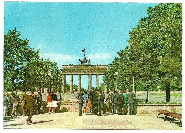 berlin (hauptstadt der ddr) - brandenburger tor 60er Jahre