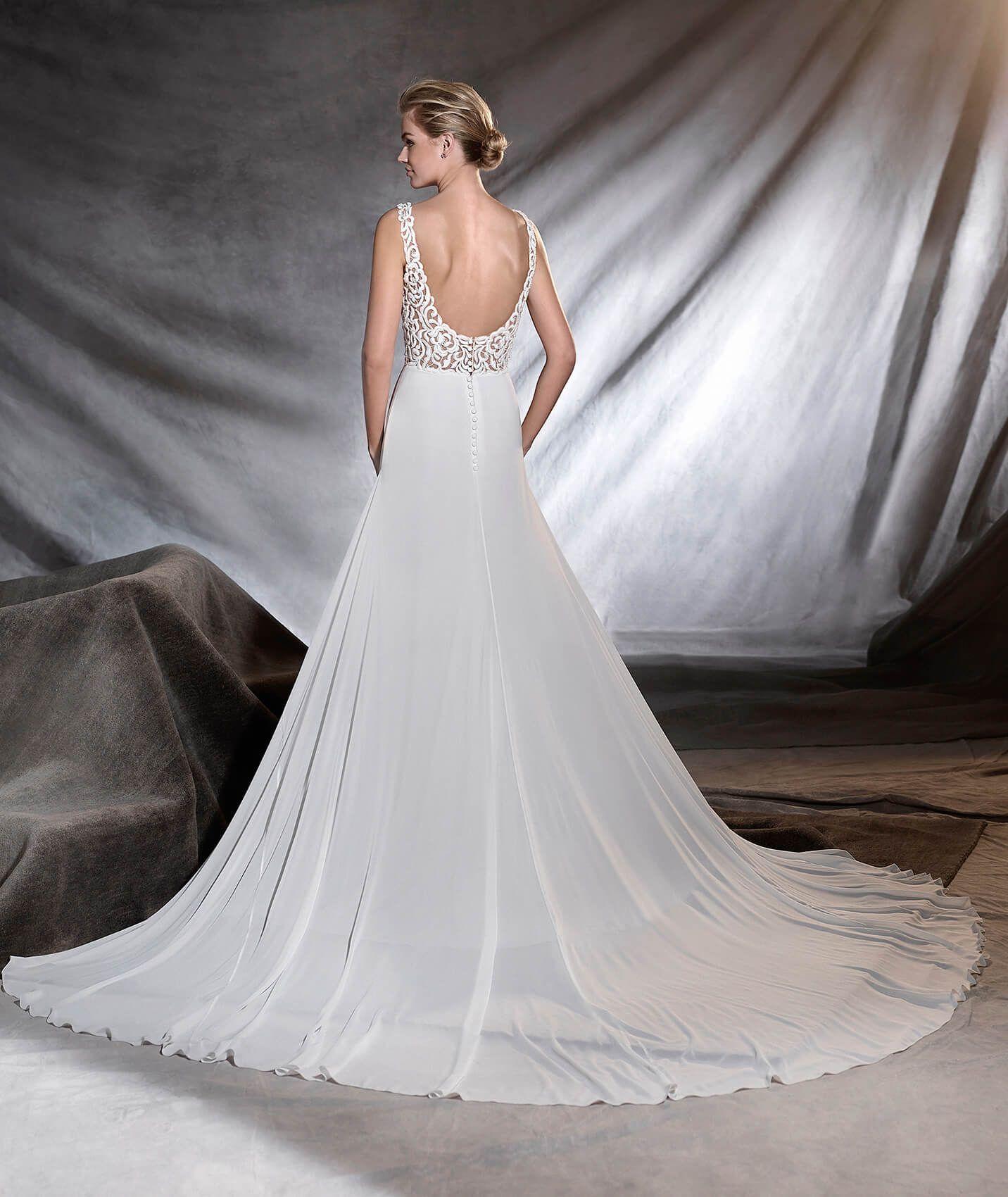 ORONE - Vestido de noiva com decote em bico | Pronovias