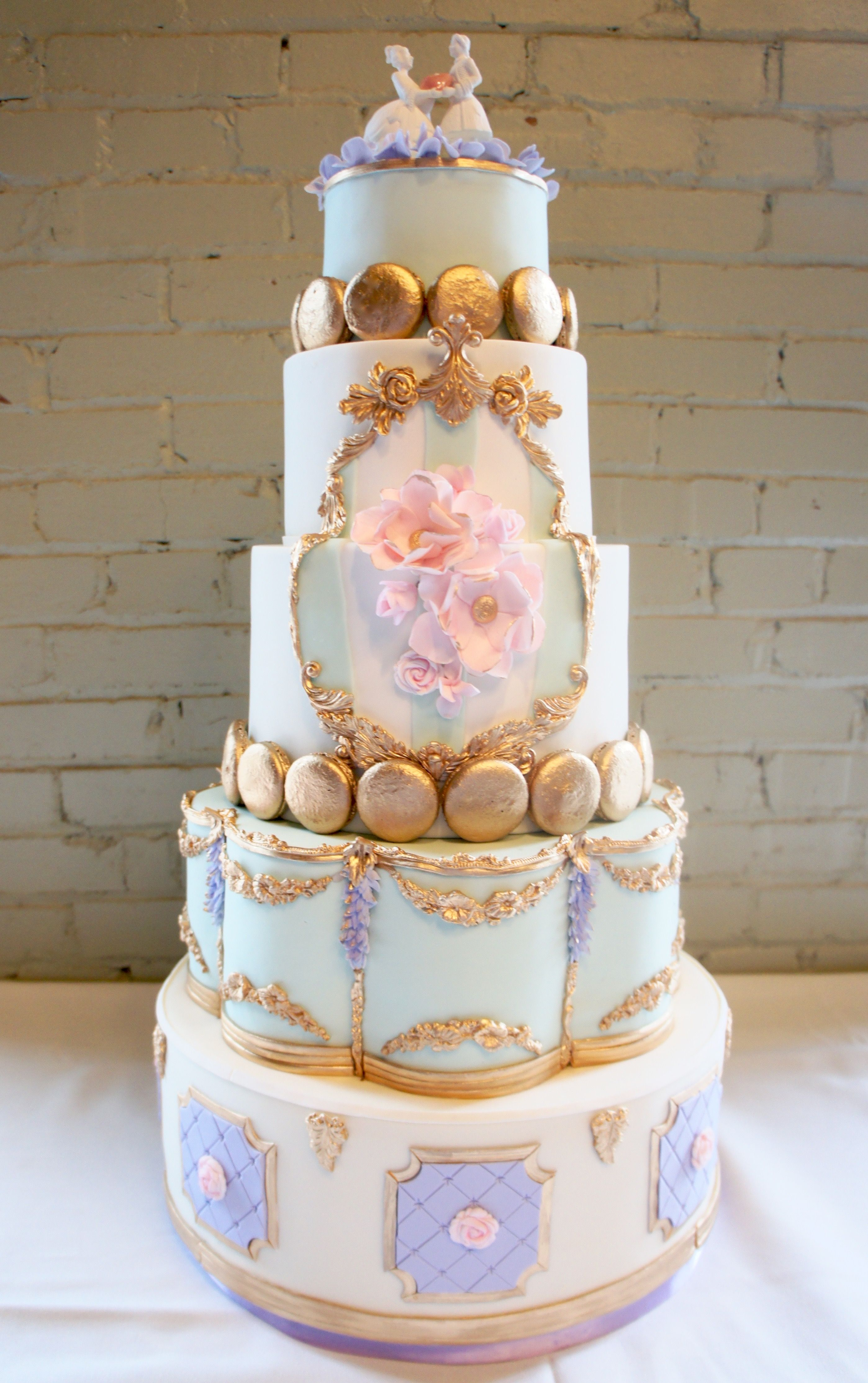 pastel wedding cakes rococo pastels macarons gold molding pink 18120