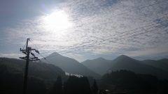 今日の間の谷山快晴です雲が太陽と反射してキラキラして素敵な空です()  #熊本県#山都町#島木 tags[熊本県]