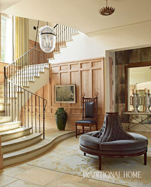 A neutral palette in the entry allows architectural details to shine. - Photo: Tria Giovan / Design: Phillip Sides