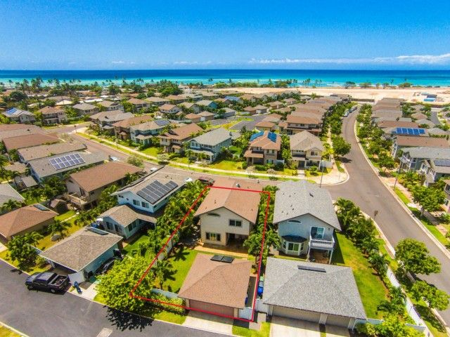 This Beautiful Ocean Pointe Home In Ewa Beach On Oahu Is Move Condition