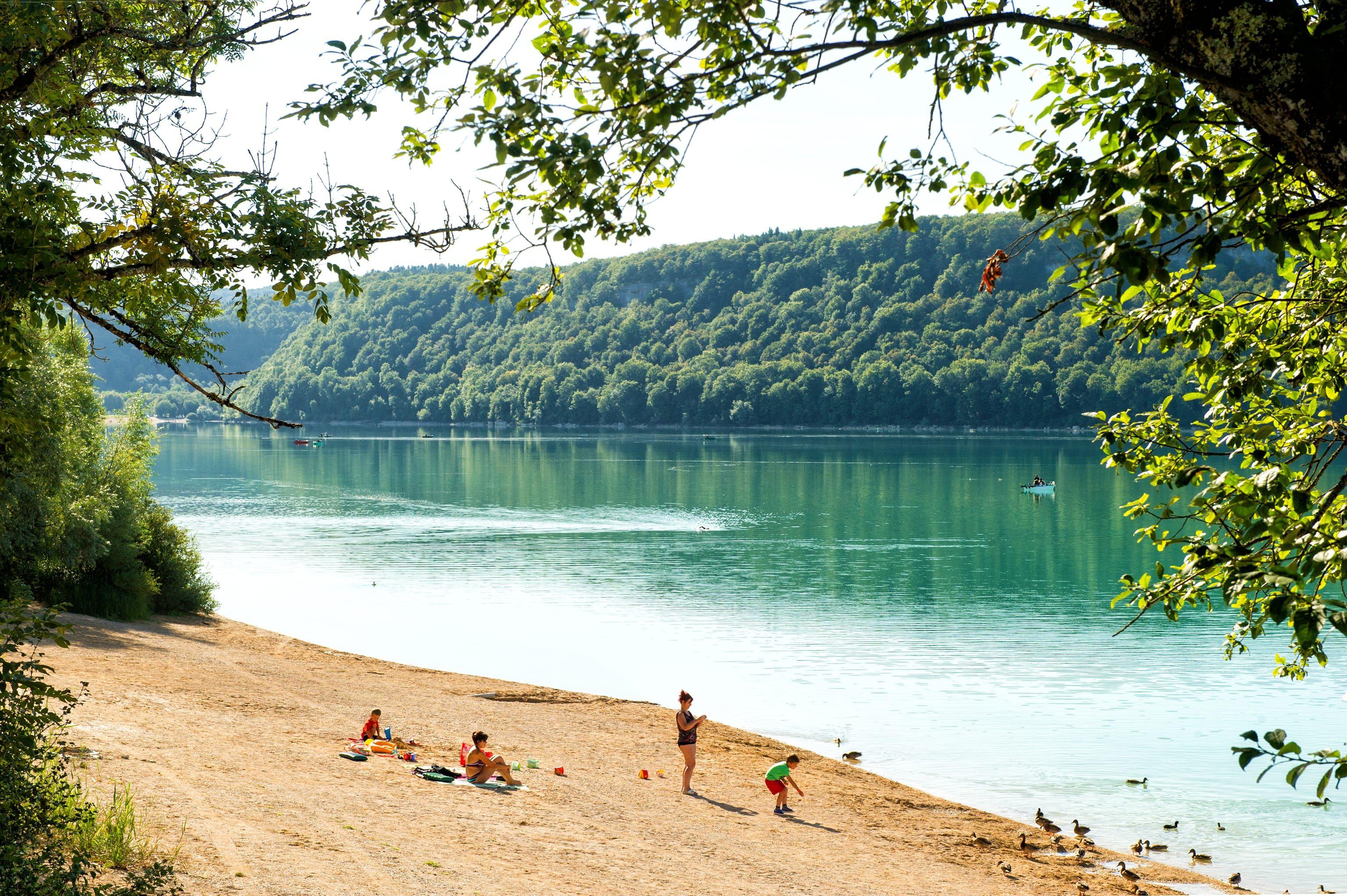 Camping La Pergola, Jura, Frankrijk Grote camping voor