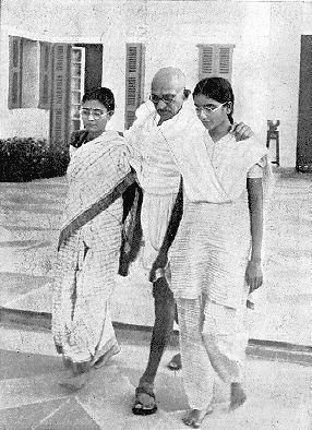 Gandhi With Images Mahatma Gandhi Photos Mahatma Gandhi Gandhi