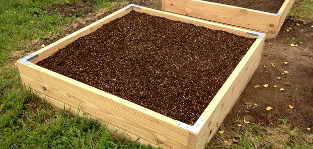 Making the Square Foot Gardening Soil Mix Garden and Canning