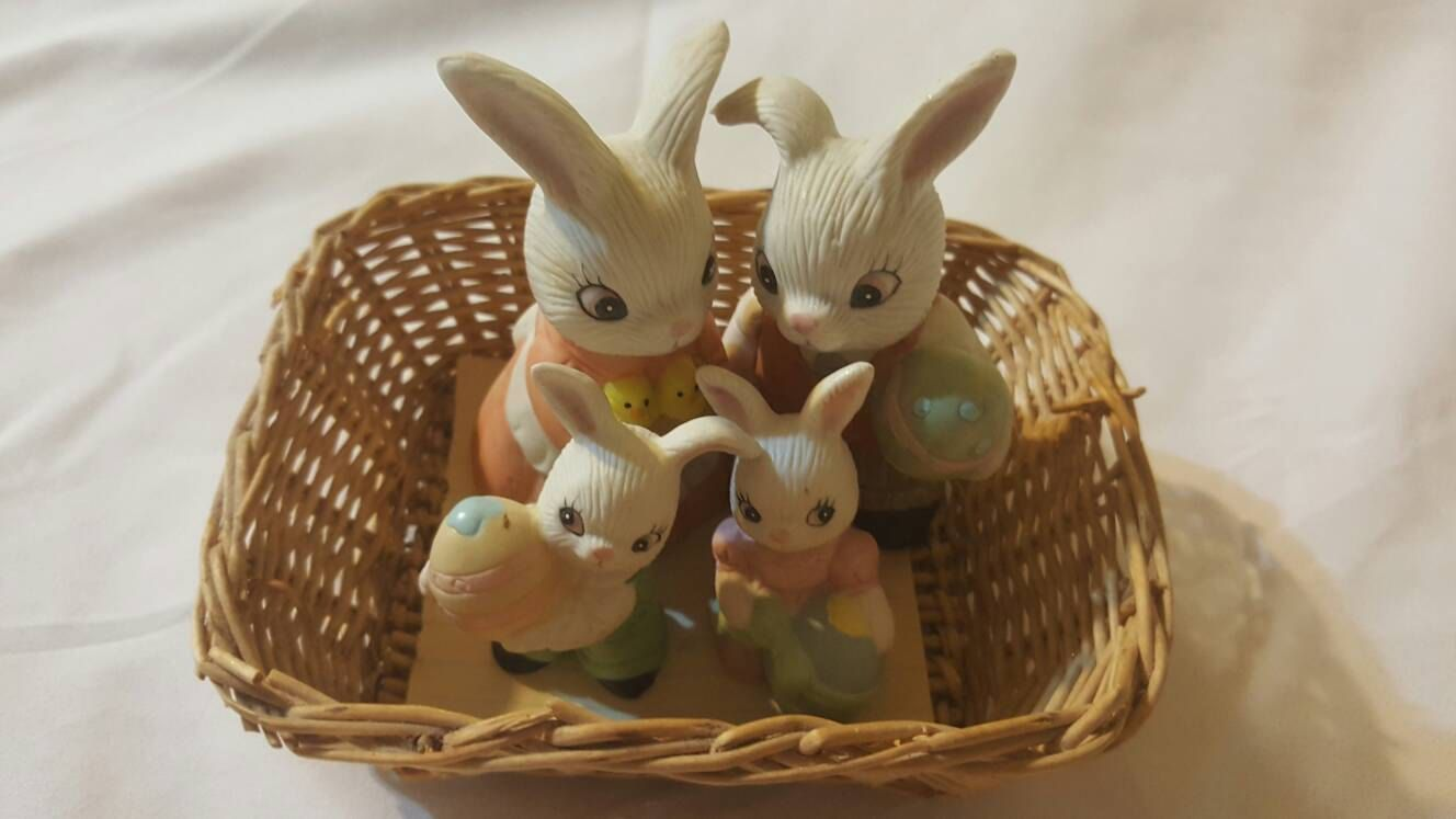Bunny rabbit family easter decor porcelain knicknacks gifts for bunny rabbit family easter decor porcelain knicknacks gifts for easter whatnots negle Image collections