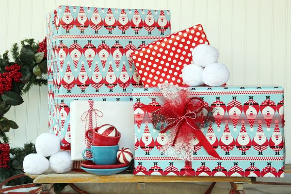 Santa Claus Gift Wrap    Let Old St. Nick Do The Wrapping This Year    47% OFF